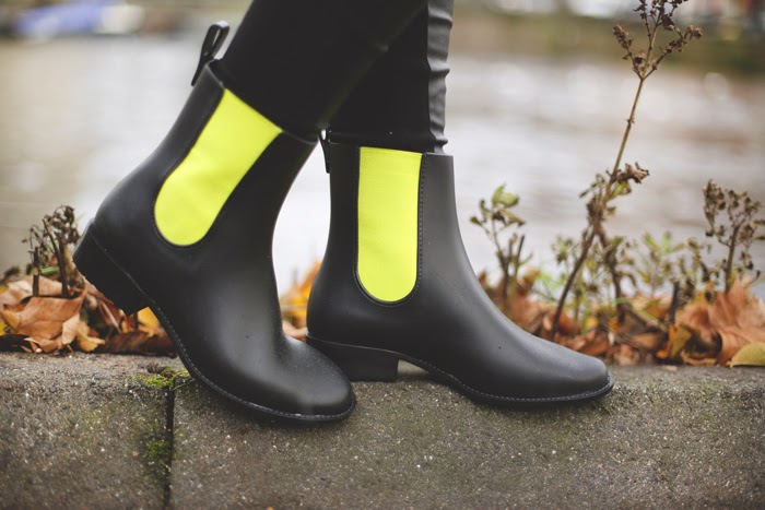 Rain boots, Melissa, Jelly shoes, yellow and black, wellies