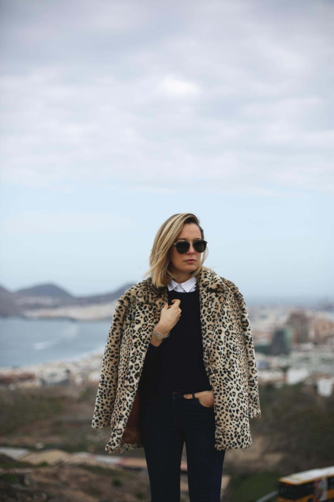 Abrigo estampado leopardo para mujer