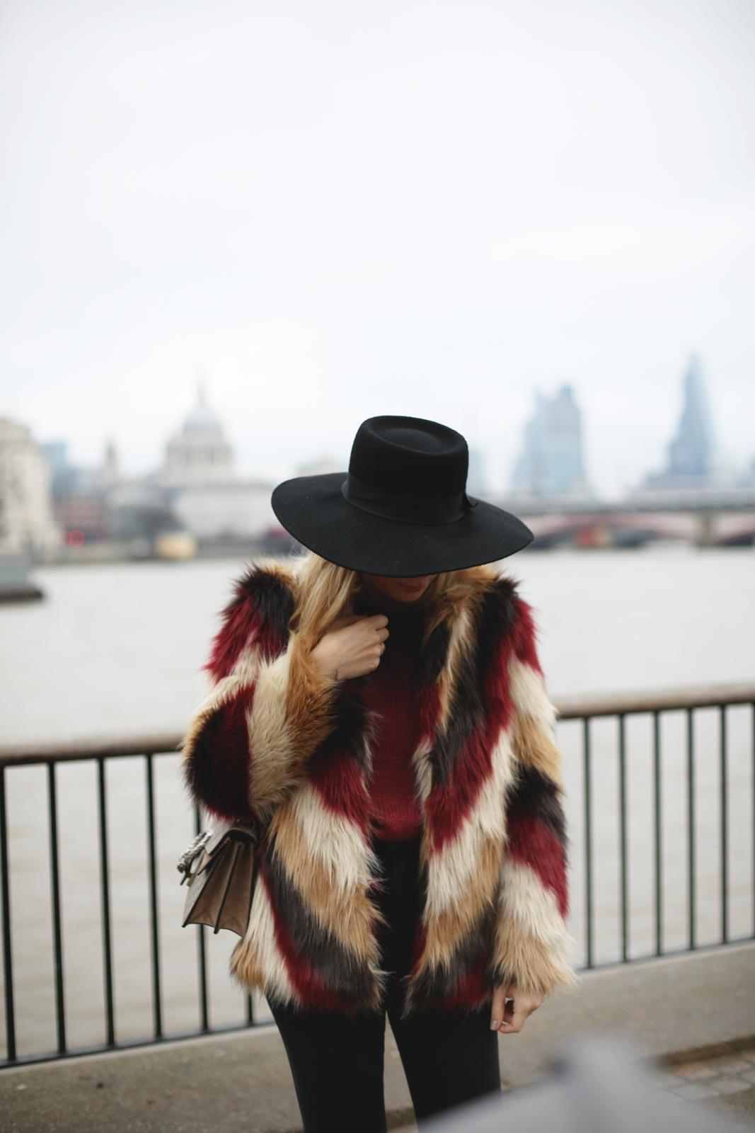 af5ad55616e Abrigo de pelo de colores en Southbank | My Showroom