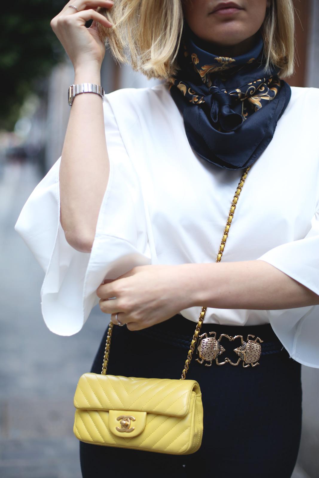 detalles de outfit blogger de moda