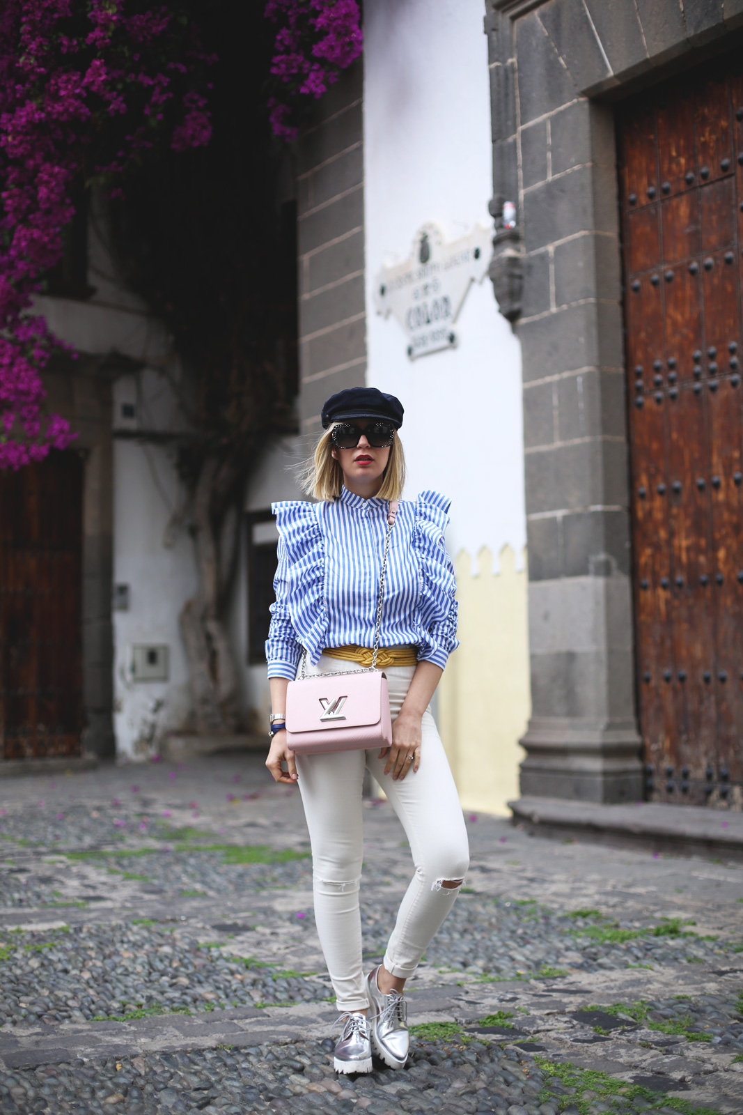 look con jeans blancos