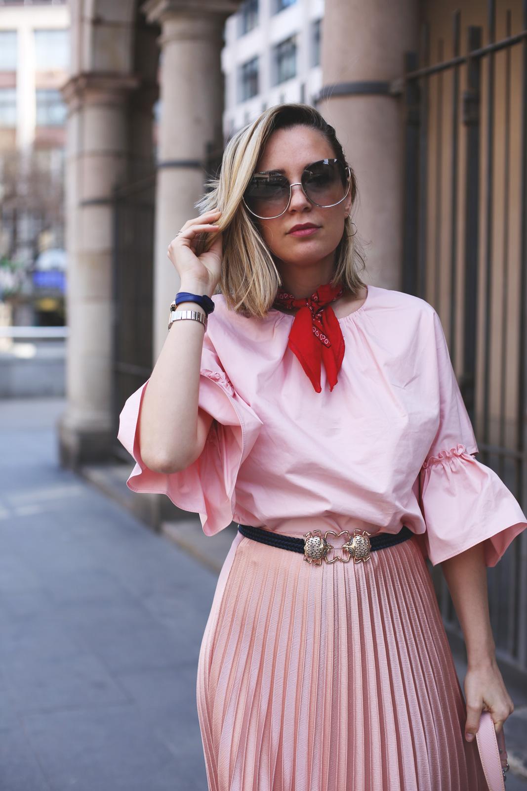 Priscila Betancort influencer de moda y tendencias