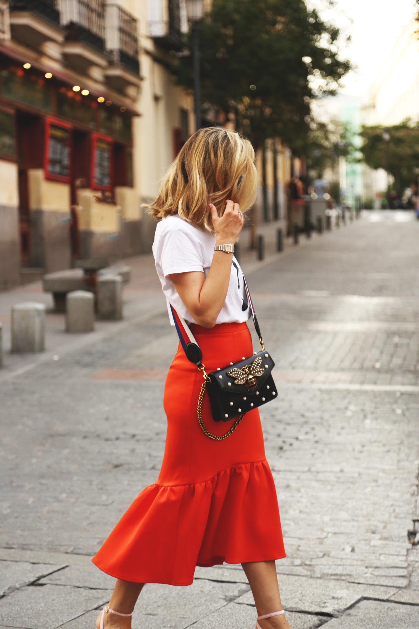 falda roja flame con volantes