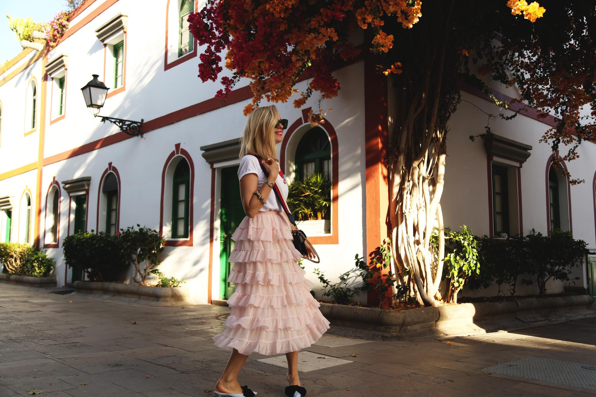 falda volantes rosa palo