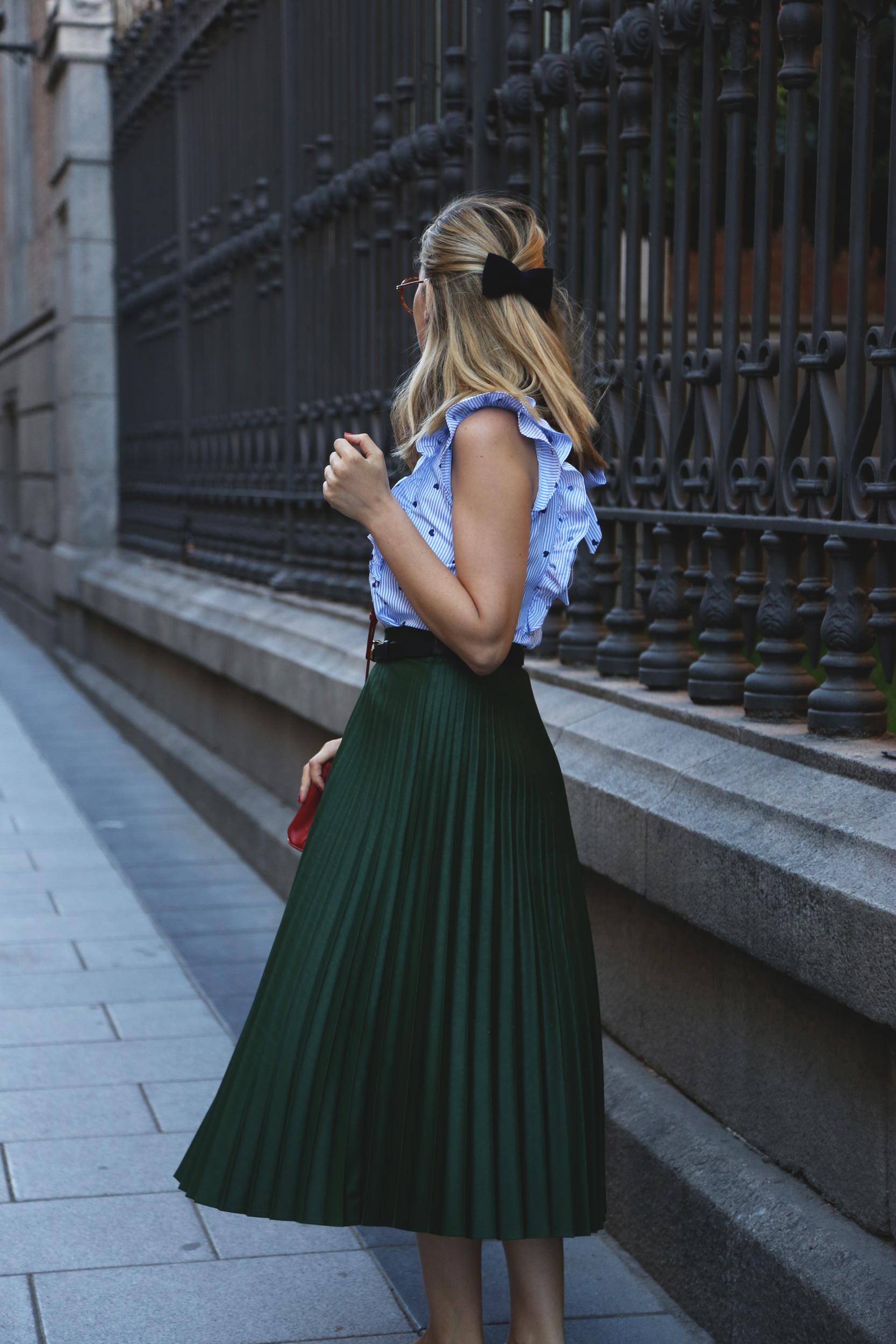 falda plisada verde de Zara