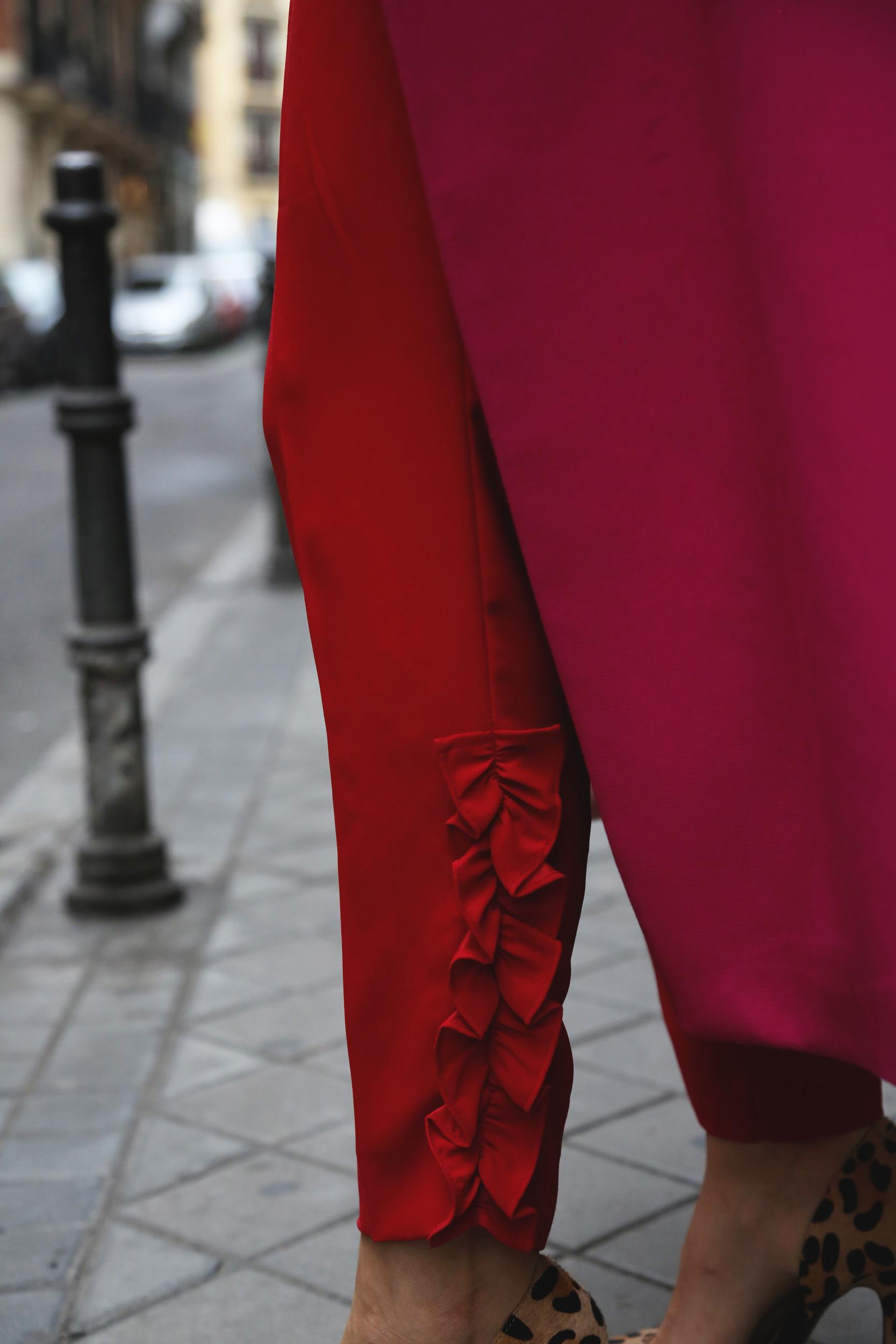 detalles pantalon lazos