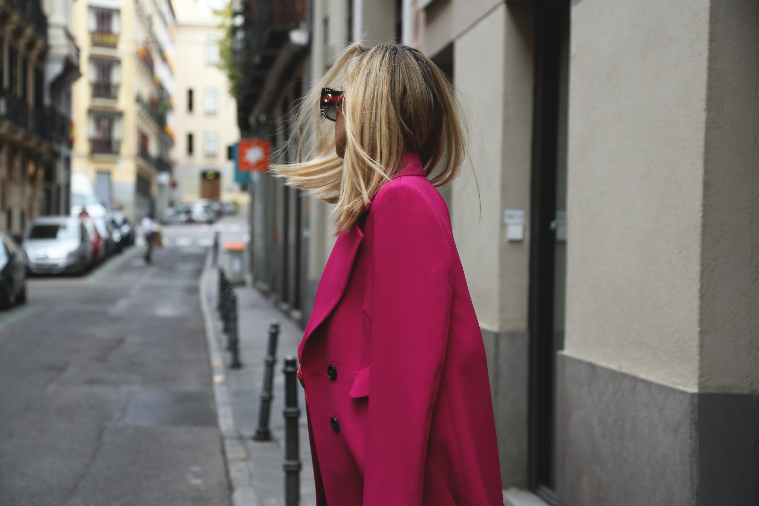 abrigo rosa largo